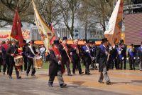 Massale opmars van de Tilburgse gilden in het Leypark.